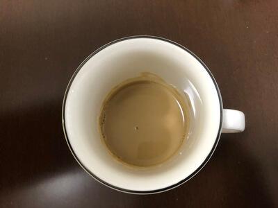 おからパウダーと少量のコーヒーを注いで混ぜ終わった写真