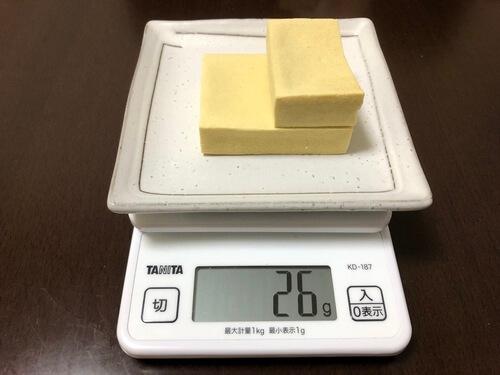 高野豆腐1枚と1/2枚分の重さ(およそ30g)